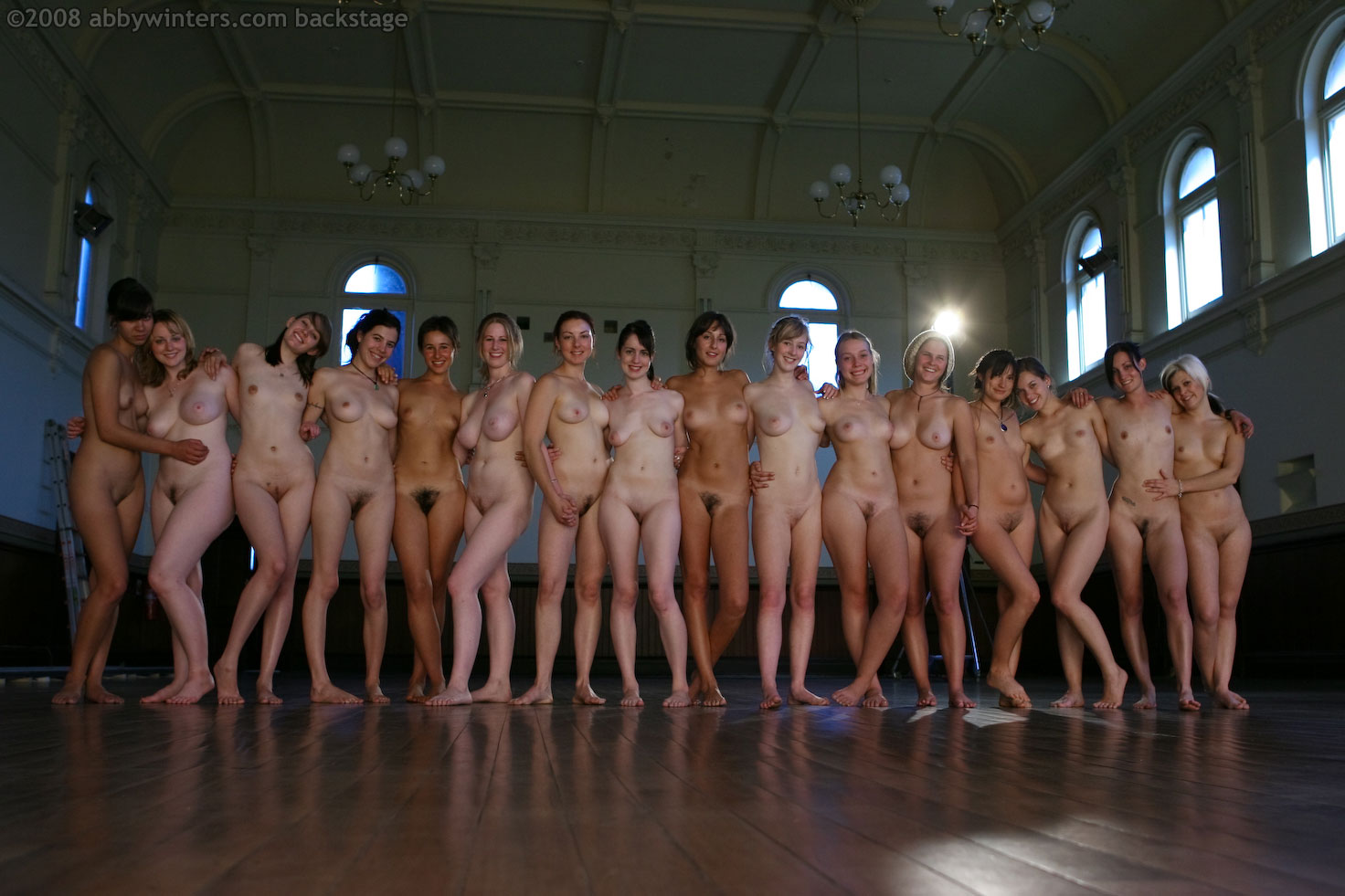 картинки в ютуб голые женщины-си1