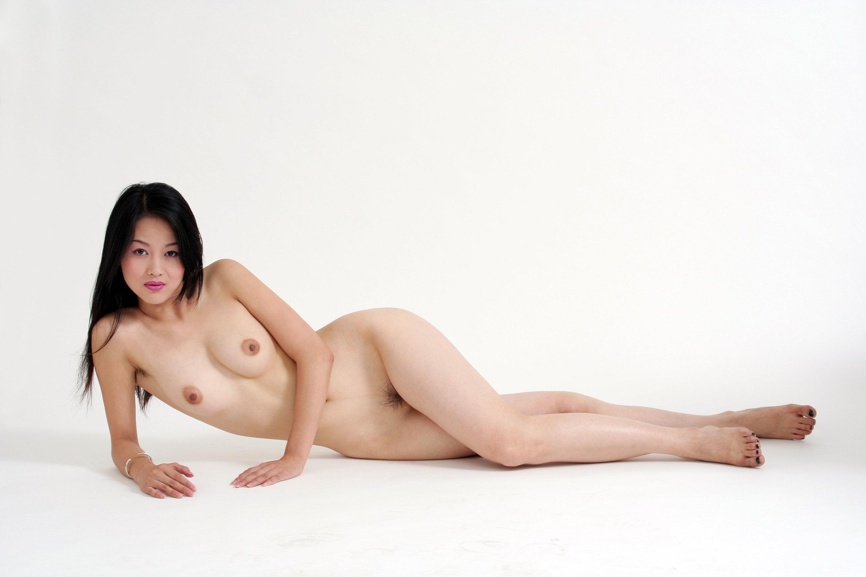 азиатки нагишом онлайн