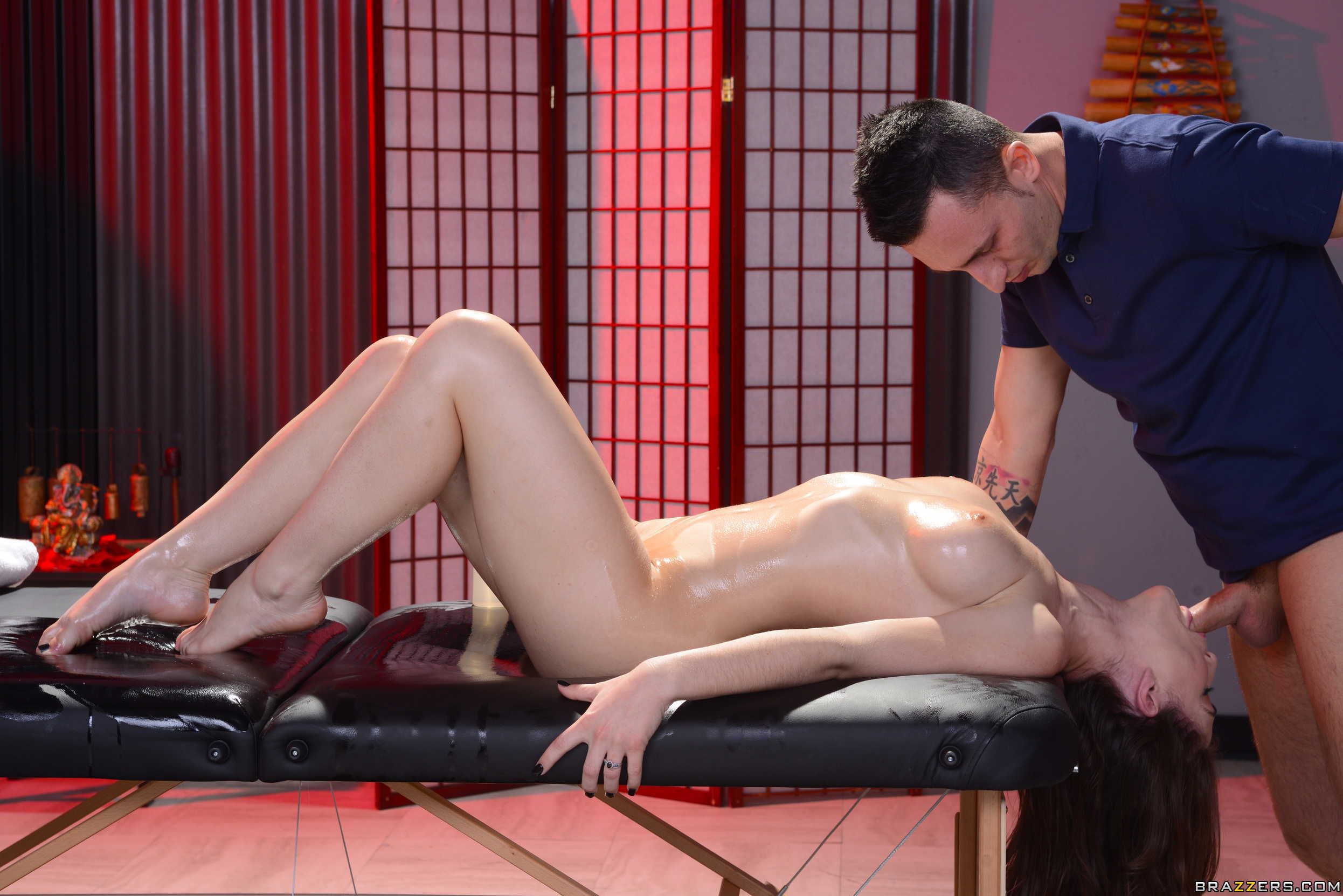 eroticheskiy-massazh-brazers