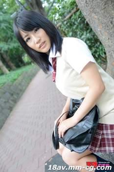 最新天然素人121413_01 制服時代,公告牌相識的女孩 玉木