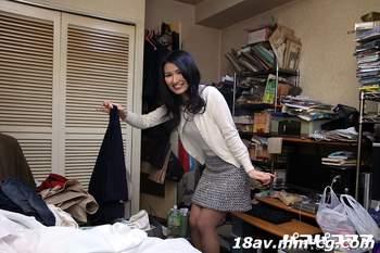 最新pacopacomama 122413_068 美人妻造訪骯髒男人的房間 真下祥子