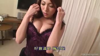 [短片]女孩太正胸部太豐滿,男生操到罵粗話[中文字幕]