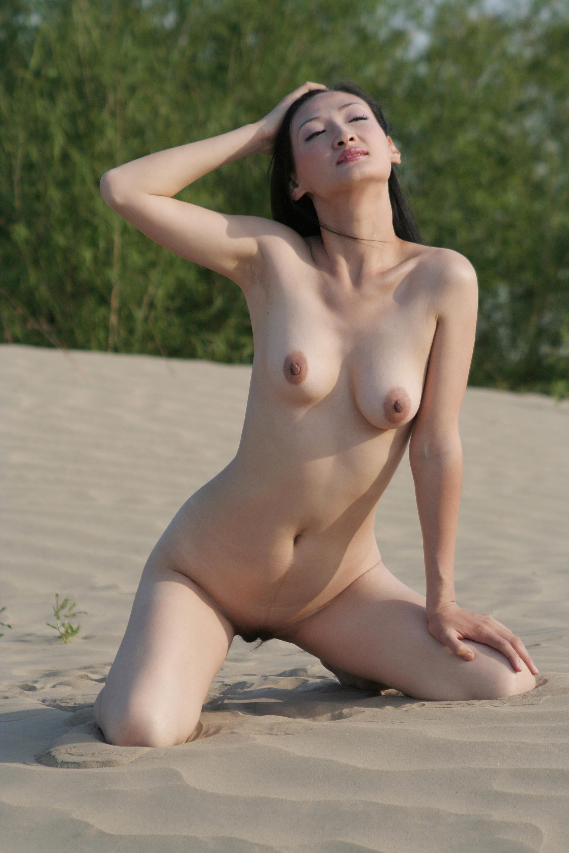 Naked busty porn satr