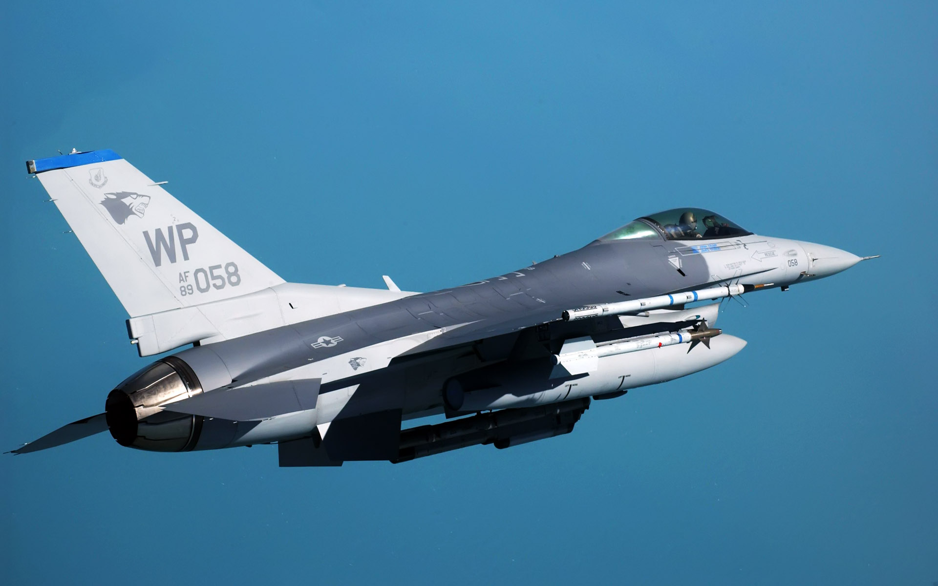 f 16 fighting falcon at kunsan air base wide