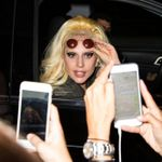 23708676_Lady-Gaga-heads-out-of-her-hote
