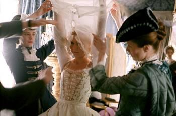 """Coppola - """"Marie-Antoinette"""", le film de Sofia Coppola - Page 2 19620715_tumblr_lxh0gtD1RI1r9xweqo17_r1_1280"""